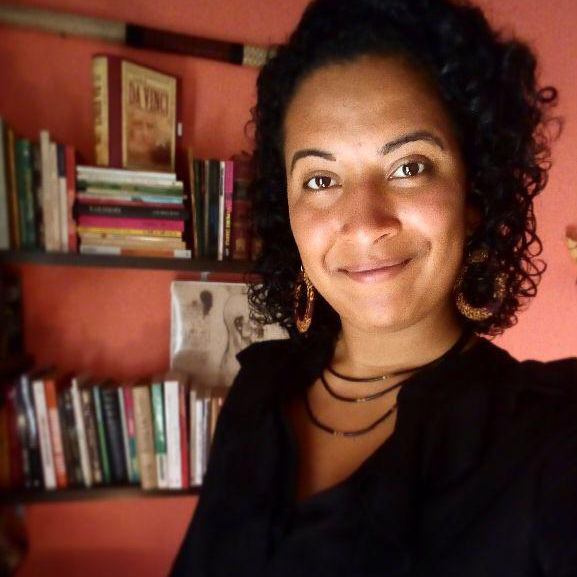 Prof. Mariana Moura